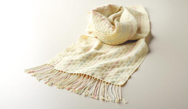 コットンSを使用してレース織りで織ったマフラー