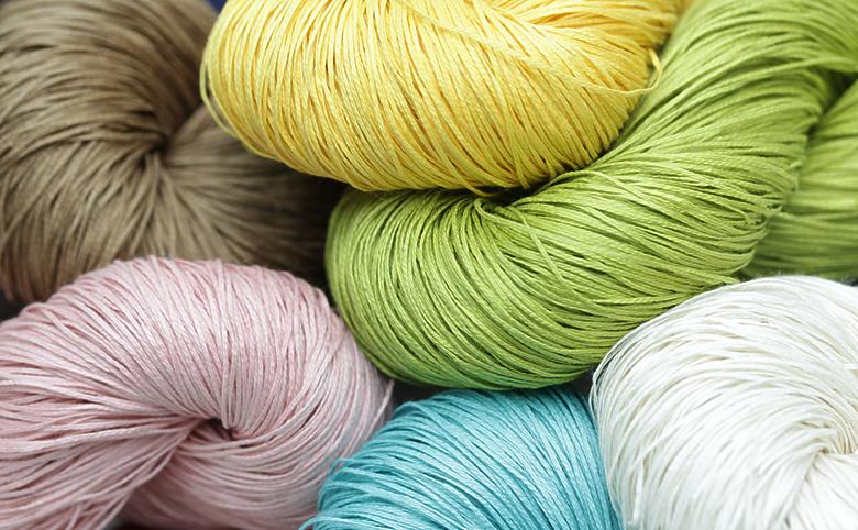 6色のリネンのカセ糸