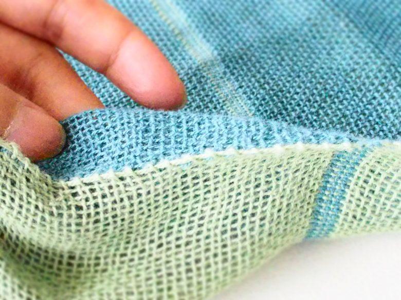 二重織りのマフラーを拡大したもの