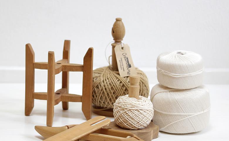 麻糸と糸を巻くスプールのイメージ